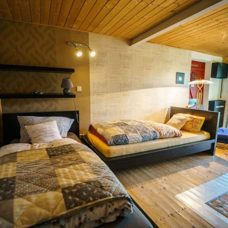 Kaminzimmer – Wohnbereich mit zusätzlichen Schlafgelegenheiten.