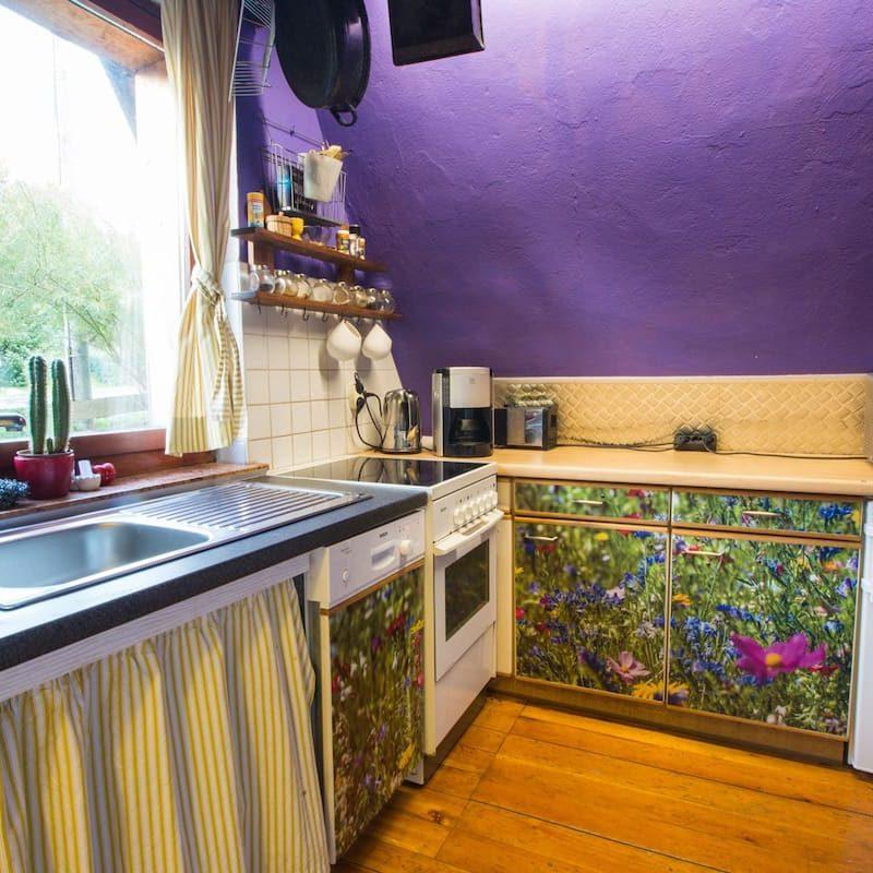 Voll eingerichtete Küche.
