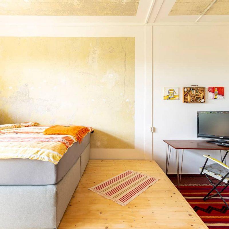 Gartenblick – ein weiteres, zubuchbares Doppelschlafzimmer mit TV ...