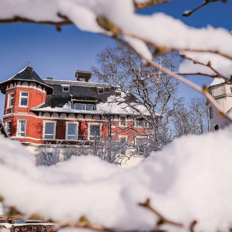 Im Winter ist die Villa einfach nur ein Traum.