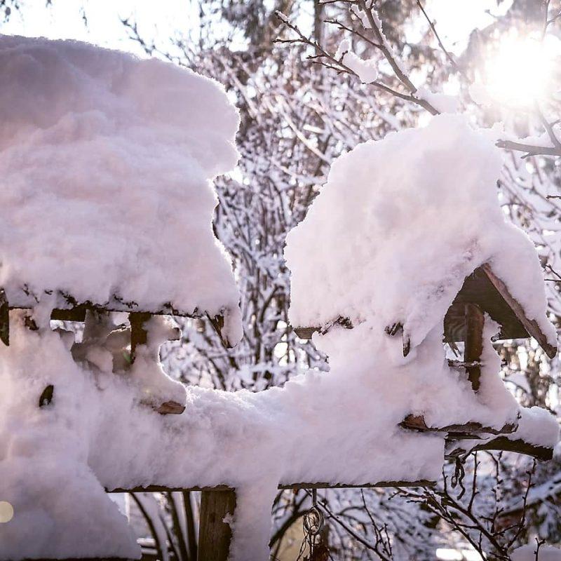 Hier gibt es noch Schnee ... die Villa liegt 660 Meter über dem Meeresspiegel.